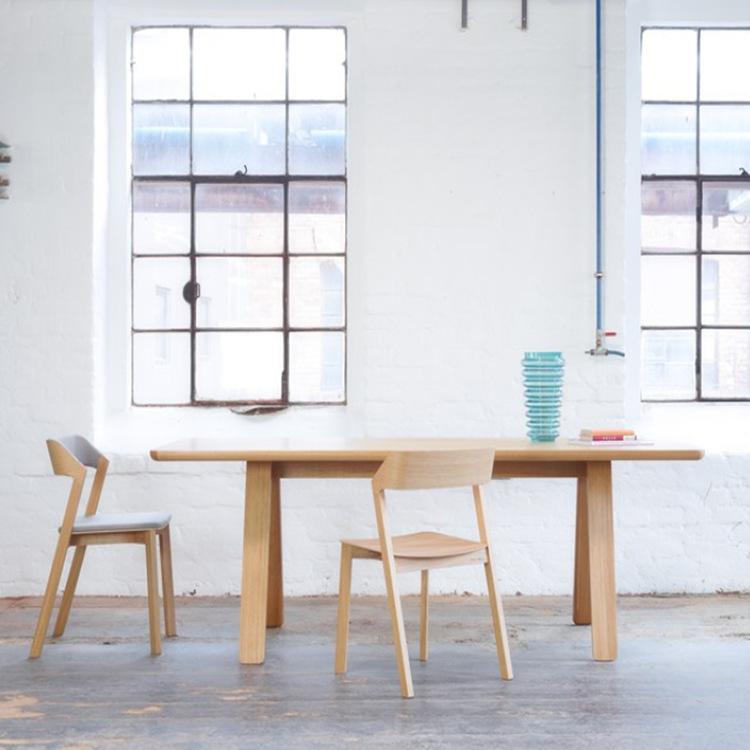 现代简约全实木餐桌家用餐厅长方形吃饭桌子书房原木书桌一件代发